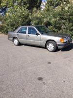 1990 Mercedes-Benz 300E